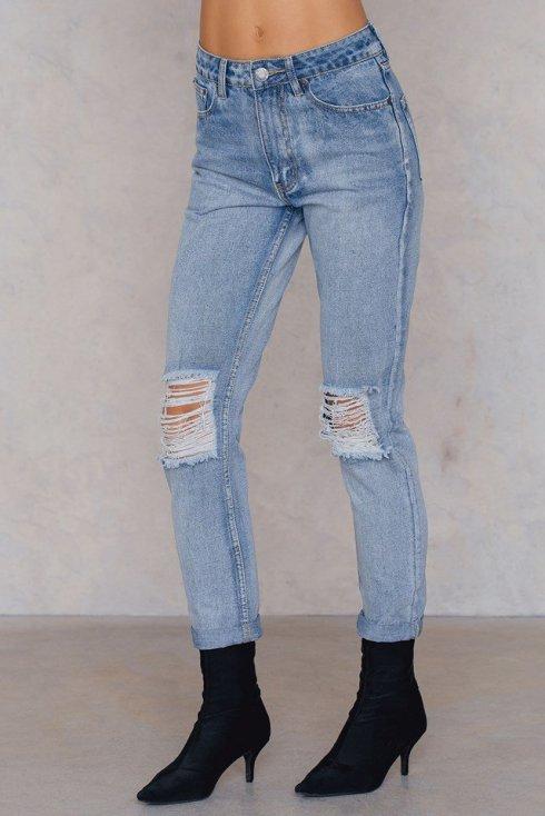 boohoo_open_knee_boyfriend_jeans_1506-000081-0047_02h